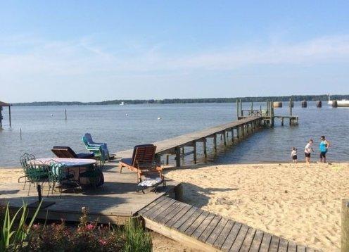 James River Cottage - PRIVATE Beach & Pier - Jamestown & Williamsburg Area